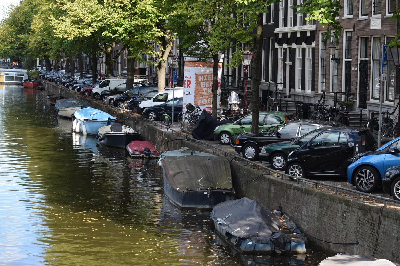 Autoverzekering in Amsterdam stuk duurder dan op het platteland